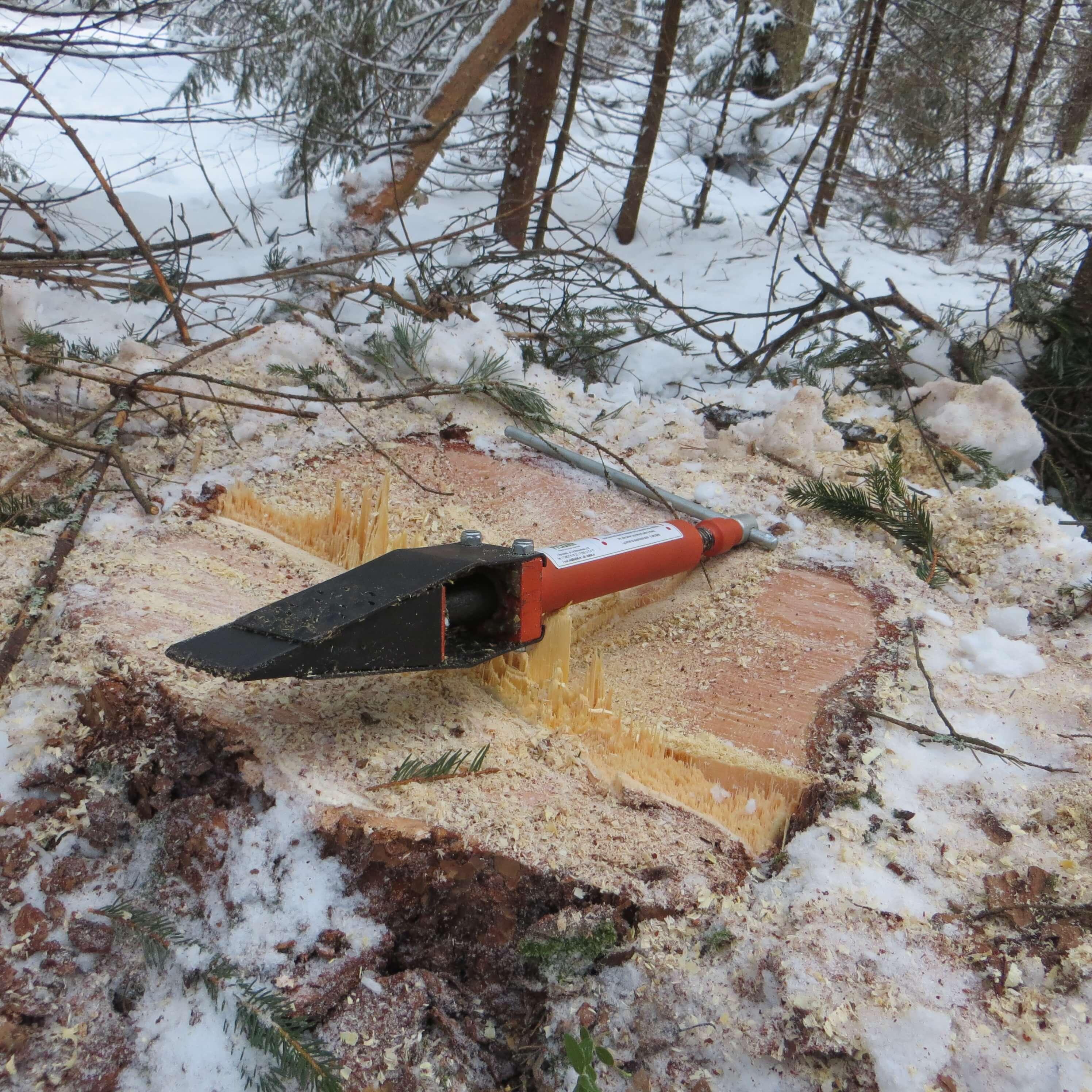 Механический клин для валки деревьев своими руками